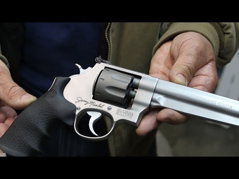 First look and firing of the S&W 929 8 shot 9mm revolver with Jerry Miculek