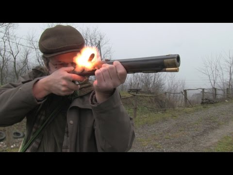 Shooting an 18th century flintlock hunting rifle