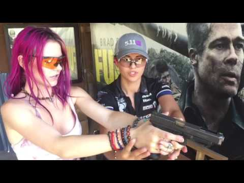 Jessica Hook teaching Jade grip & stance